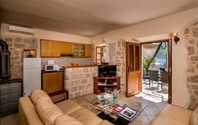 Image No.1-Maison de 3 chambres à vendre à Kotor