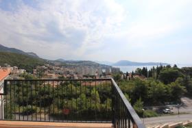 Image No.0-Appartement de 2 chambres à vendre à Herceg Novi