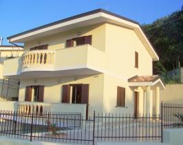 Image No.2-Maison de campagne de 3 chambres à vendre à Tropea