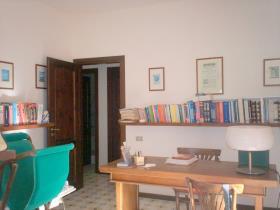 Image No.8-Villa / Détaché de 5 chambres à vendre à Briatico