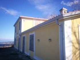 Image No.2-Villa / Détaché de 4 chambres à vendre à Tropea