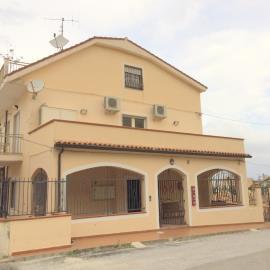 The-Puffin-Apartment-Piedigrotta-Pizzo-6-52eb91b43882e