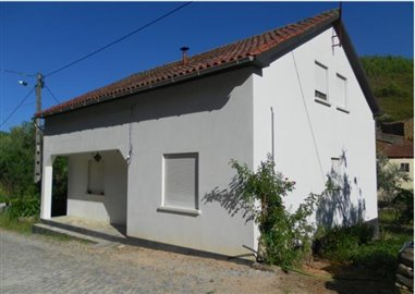 1 - Oleiros, Country House