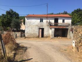 Troviscal, Cottage