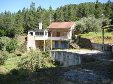1 - Oleiros, Country Property