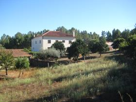 Cernache do Bonjardim, Country Property