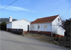 Image No.2-Chalet de 2 chambres à vendre à Sertã