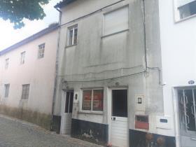 Oleiros, House