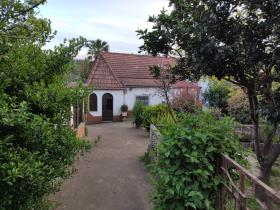 Image No.42-3 Bed Country House for sale