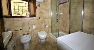 13bathroom
