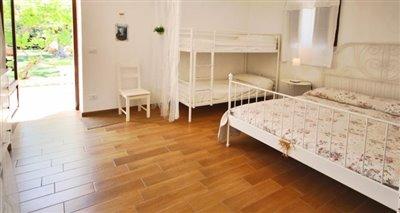 6-bedroom4
