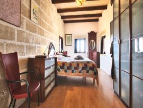 Image No.10-21 Bed Farmhouse for sale