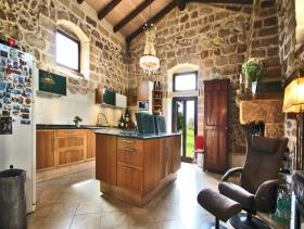 Image No.4-21 Bed Farmhouse for sale