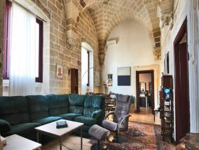 Image No.3-21 Bed Farmhouse for sale