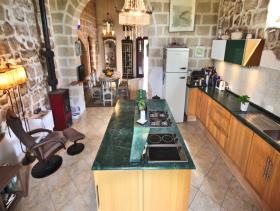 Image No.5-21 Bed Farmhouse for sale