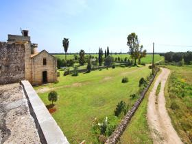 Image No.16-21 Bed Farmhouse for sale