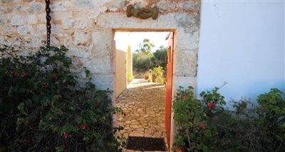 3stone-entrance