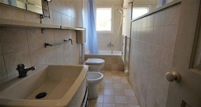 24bathroom-home