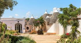 Ostuni, Country House