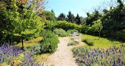 18pet-garden
