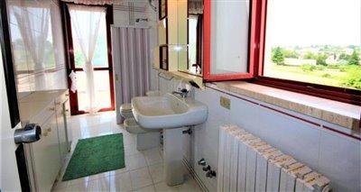 19bathroom4