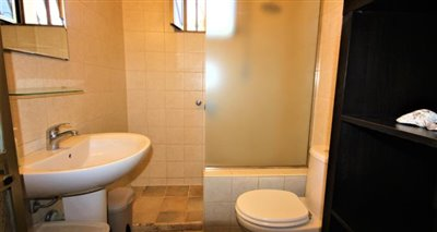 11bathroom--2-
