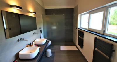 17bathroom3