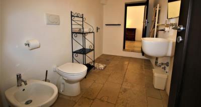 11bathroom-2