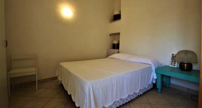 8bedroom2