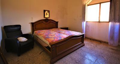 8bedroom1