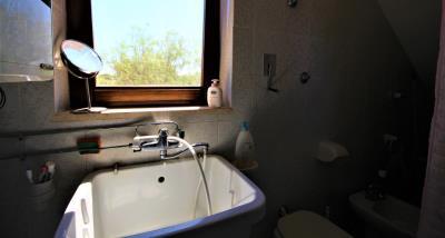 16bathroom2