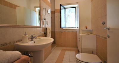 18bathroom