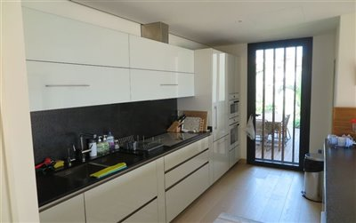 Beach Villa in Bodrum For Sale - Kitchen with terrace access