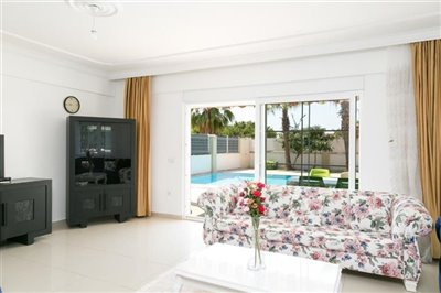 Detached Modern Villa In Kemer - Lounge with pool access