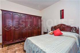 Image No.12-1 Bed Villa for sale