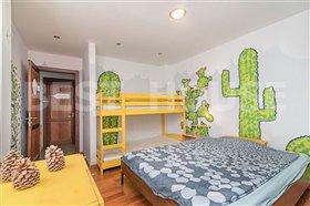 Image No.6-8 Bed Villa for sale