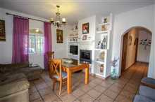 Image No.8-7 Bed Property for sale
