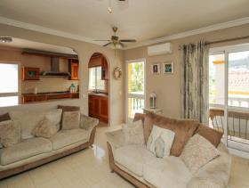 Image No.2-5 Bed Property for sale