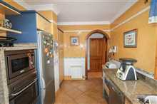 Image No.21-5 Bed Property for sale