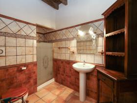 Image No.24-3 Bed Property for sale