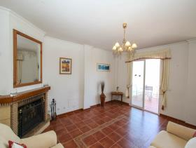 Image No.2-8 Bed Villa / Detached for sale