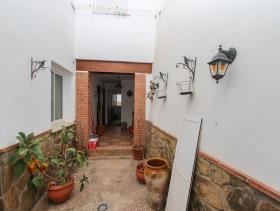 Image No.18-3 Bed Townhouse for sale