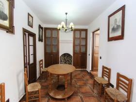 Image No.26-3 Bed Townhouse for sale