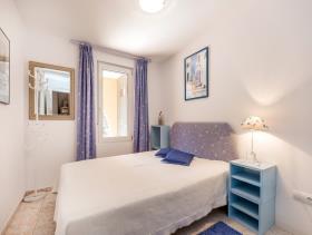 Image No.9-13 Bed Villa / Detached for sale