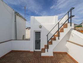 Image No.5-2 Bed Townhouse for sale