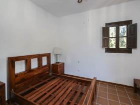 Image No.13-7 Bed Villa / Detached for sale