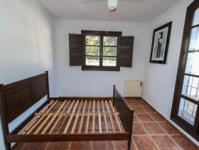 Image No.10-7 Bed Villa / Detached for sale