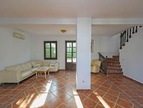 Image No.11-7 Bed Villa / Detached for sale