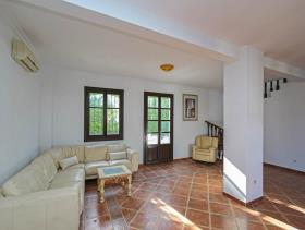 Image No.28-7 Bed Villa / Detached for sale