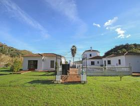 Image No.24-7 Bed Villa / Detached for sale